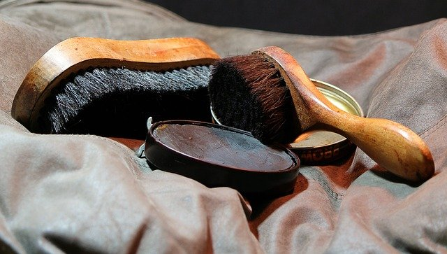 can you use shoe polish to dye leather